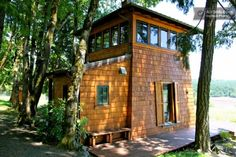 Beautiful cabin w/spectacular vineyard views nestled in the heart of Yamhill-Carlton wine country
