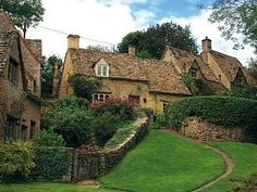 relaxed biking in the cotswolds, england