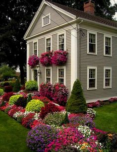 20+ Landscaping Inspirations To Beautify Your Front Yard - Page 6 of 24