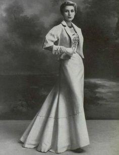 1953 Christian Dior.