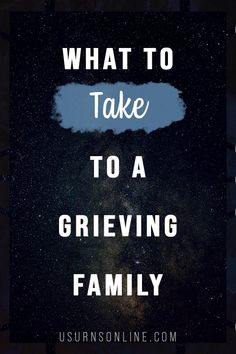 When you visit a family who is mourning the loss of a loved one, you want to bring a gift that is helpful and meaningful. Here are ten thoughtful ideas on what to take to a grieving family. Condolence Letter, Condolence Messages, Condolences, Writing A Sympathy Card, Sympathy Gifts, Sympathy Cards, When Someone Dies, Losing Someone, Say What