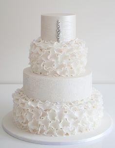Indescribable Your Wedding Cakes Ideas. Exhilarating Your Wedding Cakes Ideas. Beautiful Wedding Cakes, Gorgeous Cakes, Pretty Cakes, Amazing Cakes, Wedding Cakes With Cupcakes, White Wedding Cakes, Types Of Wedding Cakes, Lace Wedding, Fondant Cakes