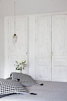 Bedroom Closet Doors Sliding, Closet Bedroom, Home Interior Design, Laundry Room, Wood Projects, Sweet Home, New Homes, Dressing, Saint Germain