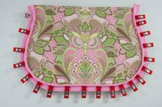 Tutorial: Add Piping to a Bag - Sew Sweetness Sewing Hacks, Sewing Tutorials, Sewing Tips, Bag Tutorials, Sewing Ideas, Sewing Projects, Diy Bags No Sew, Sew Bags, Bags Sewing