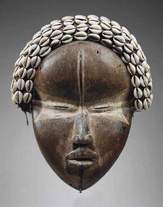 MASQUE DAN, DEANGLE DAN MASK, DEANGLE   CÔTE D'IVOIRE/LIBERIA   ceremonial & ritual items, wood   Christie's