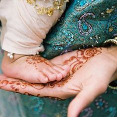 henna. i legit want to do this for my wedding.