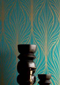 72,90€ Preis pro Rolle (pro m2 13,68€), Glamouröse Tapeten, Trägermaterial: Vliestapete, Oberfläche: Glatt, Optik: Matt, Design: Moderne Ornamente, Grundfarbe: Türkisblau, Musterfarbe: Gold, Eigenschaften: Gute Lichtbeständigkeit, Schwer entflammbar, Trocken restlos abziehbar, Wand einkleistern, Waschbeständig