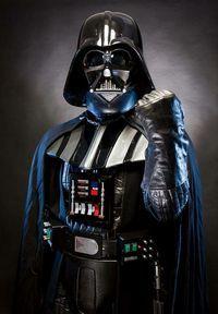 You don't know the power of The Dark Side! Darth Vader, Anakin Vader, Anakin Skywalker, Droides Star Wars, Star Wars Fan Art, Wallpaper Animé, Star Wars Wallpaper, Starwars, Cuadros Star Wars