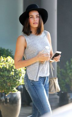 Jenna Dewan-Tatum from The Big Picture: Today's Hot Pics The star is spotted looking casual chic while wearing minimal makeup in West Hollywood. Look Casual Chic, Casual Looks, Teen Fashion, Boho Fashion, Athleisure Trend, Mein Style, Looks Chic, Spring Summer Fashion, Celebrity Style