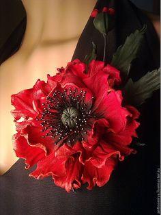 """Цветы из кожи. Брошь из кожи """"Te Amo"""" - ярко-красный,цветы из кожи,брошь из кожи"""