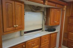 2004 Newmar Essex RVIA - 10055124, Class A - Diesel RV For Sale By Owner in Clear creek, Indiana | RVT.com - 347857 Diesel For Sale, Rv For Sale, Dock Lighting, Motorhomes For Sale, Window Awnings, Roof Vents, Water Filtration System, Carpet Flooring, Heating Systems