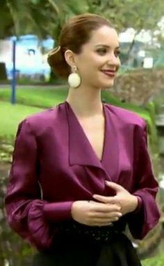 Estilo de Sílvia em 'Joia Rara', personagem de Nathalia Dill, pela figurinista Marie Salles.