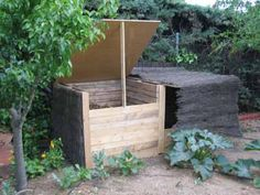 Diy compost with palets Pallet Furniture, Outdoor Furniture, Outdoor Decor, Farms Living, Down On The Farm, Backyard Landscaping, Backyard Ideas, Farm Gardens, Green Building