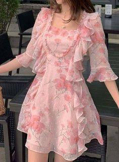Stylish Dress Designs, Designs For Dresses, Stylish Dresses, Casual Dresses, Short Dresses, Summer Dresses, Mode Outfits, Girly Outfits, Pretty Outfits