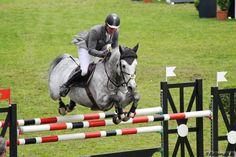 Neues Pferd f. Philipp Weishaupt (hier m. Caress)