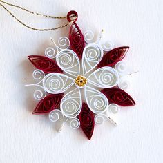 6 point small red and white quilled snowflake with gold gl… | Flickr