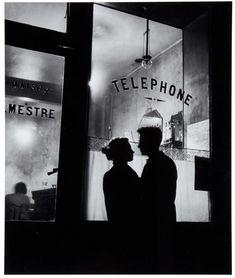 Willy Ronis - Devant chez Mestre (1947)