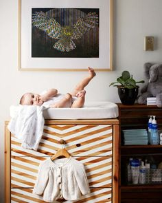 14 Pieces You Would NEVER Guess Were IKEA Hacks via Brit + Co. IKEA drawers used as a changing table and painted to preferred style. Changing Table Dresser, Ikea Dresser, Changing Tables, Dresser Ideas, Chevron Dresser, Baby Dresser, Striped Dresser, Ikea Drawers, Dresser Designs