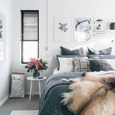 A rare peek at the other side of @oh.eight.oh.nine's amazing bedroom, styling guru Tarina can do no wrong! | Save 15-40% off selected products now www.simplestyleco.com.au