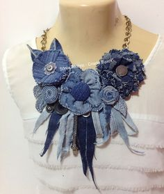 Maxi Colar Jeans 1 no Jean Crafts, Denim Crafts, Textile Jewelry, Fabric Jewelry, Jewellery, Denim Flowers, Fabric Flowers, Denim Earrings, Denim And Diamonds