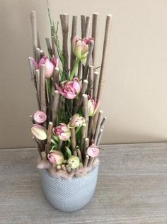 Catching everyones eye this unusual but effective mix of pink and natural twigs. Home Flowers, Diy Flowers, Spring Flowers, Paper Flowers, Arrangements Ikebana, Creative Flower Arrangements, Floral Arrangements, Deco Floral, Arte Floral