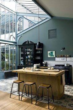 Kitchen . House . Home . Interior . wood . tiles . deco . Cuisine . maison . intérieur . décoration . verrière . industriel . carreaux de ciment