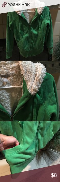 """Old Navy super warm hoodie Zip up. Front slant pockets. Drawstring hood. Green with plush ivory lining. Cotton and polyester. 24"""" long. Slight stretch. Previously loved Old Navy Tops Sweatshirts & Hoodies"""