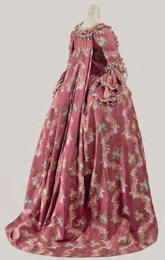 Silk Brocade Robe à la Française, French, ca. 1765 ~via Cora Ginsburg, LLC 18th Century Dress, 18th Century Costume, 18th Century Clothing, 18th Century Fashion, Rococo Fashion, French Fashion, Vintage Fashion, Vintage Outfits, Vintage Gowns