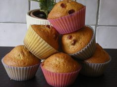 Muffins aux raisins secs Breakfast, Desserts, Food, Cakes, Chocolate Fondue, Pastry Recipe, Cooker Recipes, Cooking Food, Raisin Muffins