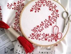 Embroidery Stitches and Design patterns For Beginners. There are also instructions of a combination of stitches for borders. #EmbroideryforBeginners