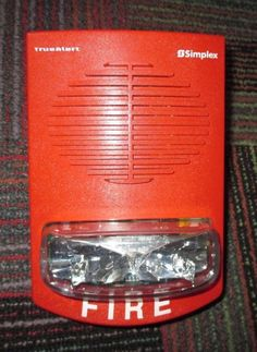 NEW SIMPLEX RED S/V WALL MOUNT SPEAKER WITH STROBE 4906-9251, NOOB, MOUNT DAM. #SIMPLEX
