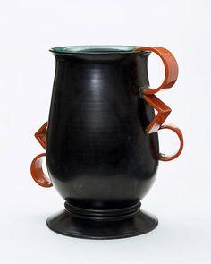 Grete Marks, Vase, ca. Milwaukee Art Museum, Something Old Something New, Ceramic Design, Victoria And Albert Museum, Bauhaus, Tea Pots, Art Deco, Pottery, Modern