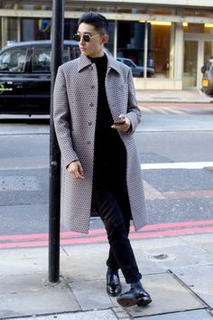 Photos: London Fashion Week Street Style   Vanity Fair