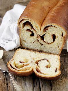 Double Swirl Cinnamon Bread Cinnamon Bread Recipe Yeast, Cinnamon Swirl Bread, Yeast Bread Recipes, Baking Bread At Home, Homemade Soup, Suppers, Artisan Bread, Sweet Bread, Swirls