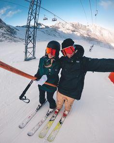 Ski Ski, Ski And Snowboard, Mens Ski Clothes, Mens Snow Fashion, Ootd Winter, Snow Outfit, Ski Season, Winter Pictures, Outdoor Outfit