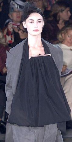 Yohji Yamamoto Spring 2001 ♥♥♥♥♥