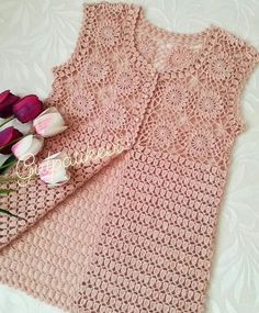 Curtidas, 44 Comentários - ❤Hiva N Gehäkelte - Diy Crafts - DIY & Crafts Crochet Bolero Pattern, Crochet Jacket, Crochet Cardigan, Baby Knitting Patterns, Knitting Designs, Crochet Patterns, Filet Crochet, Crochet Stitches, Crochet Baby