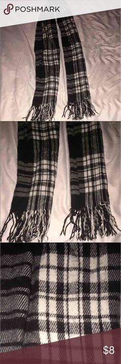 Black Plaid Fall Scarf Good condition, super cute over fall sweaters. Accessories Scarves & Wraps