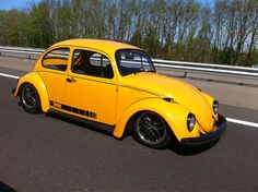 Vw Cars, Drag Cars, Yellow Car, My Dream Car, Vw Beetles, Old School, Automobile, Jeans, Vehicles