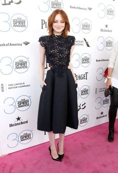 Pin for Later: Les Stars Laissent de Côté les Robes de Bal le Temps D'une Soirée Emma Stone