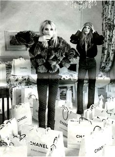 what-we-like:    Dree Hemingway and Abbey Lee drown in Chanel bags.