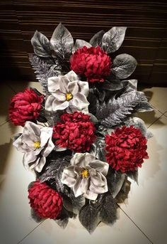 Ikebana, 4th Of July Wreath, Fabric Flowers, Christmas Wreaths, Holiday Decor, Home Decor, Recipes, Flower, Board