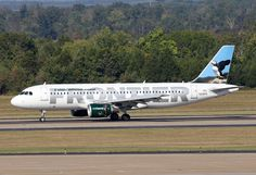 Frontier Airlines Airbus A320-214 N218FR 'Paxton the Puffin'