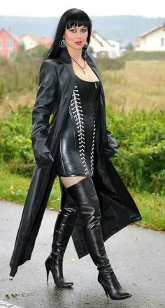 I love Female Domination,latex.leather,BDSM and many more. Long Leather Coat, High Leather Boots, Leather Gloves, Leather Catsuit, Black Leather, Sexy Outfits, Crazy Outfits, Sexy Stiefel, Black Thigh High Boots