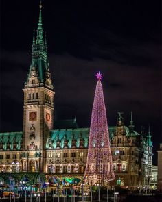 Aquí huele a navidad   #hamburg #hamburgo #rathaus #travelblogger #travel #travelblog #trip #alemania #germany #rojocangrejolovesbretzel #germanytourism #JoinGermanTradition #iatiporelmundo by rojocangrejo