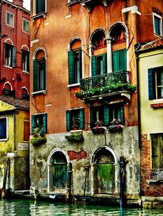Houses in Venice, Italy  | via Tumblr