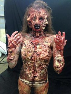 Eww this is too much and I love halloween! Halloween special effects makeup Horror Makeup, Scary Makeup, Sfx Makeup, Costume Makeup, Cute Halloween Makeup, Halloween Kostüm, Halloween Costumes, Special Effects Makeup, Maquillage Halloween
