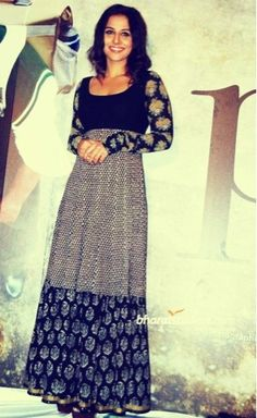Image from http://trend4girls.com/wp-content/uploads/2014/12/Sabyasachi-Mukherjee-Party-and-casual-wear-2015.jpg.