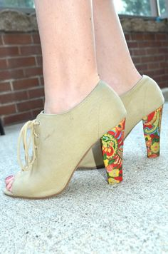 DIY floral heels love this @stefanie  you did an amazing job....