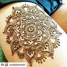Any bunny wanna get a henna tattoo on Sunday?